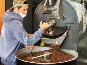 坂口憲二さん(The Rising Sun Coffee)×THE COFFEESHOP ROAST WORKS